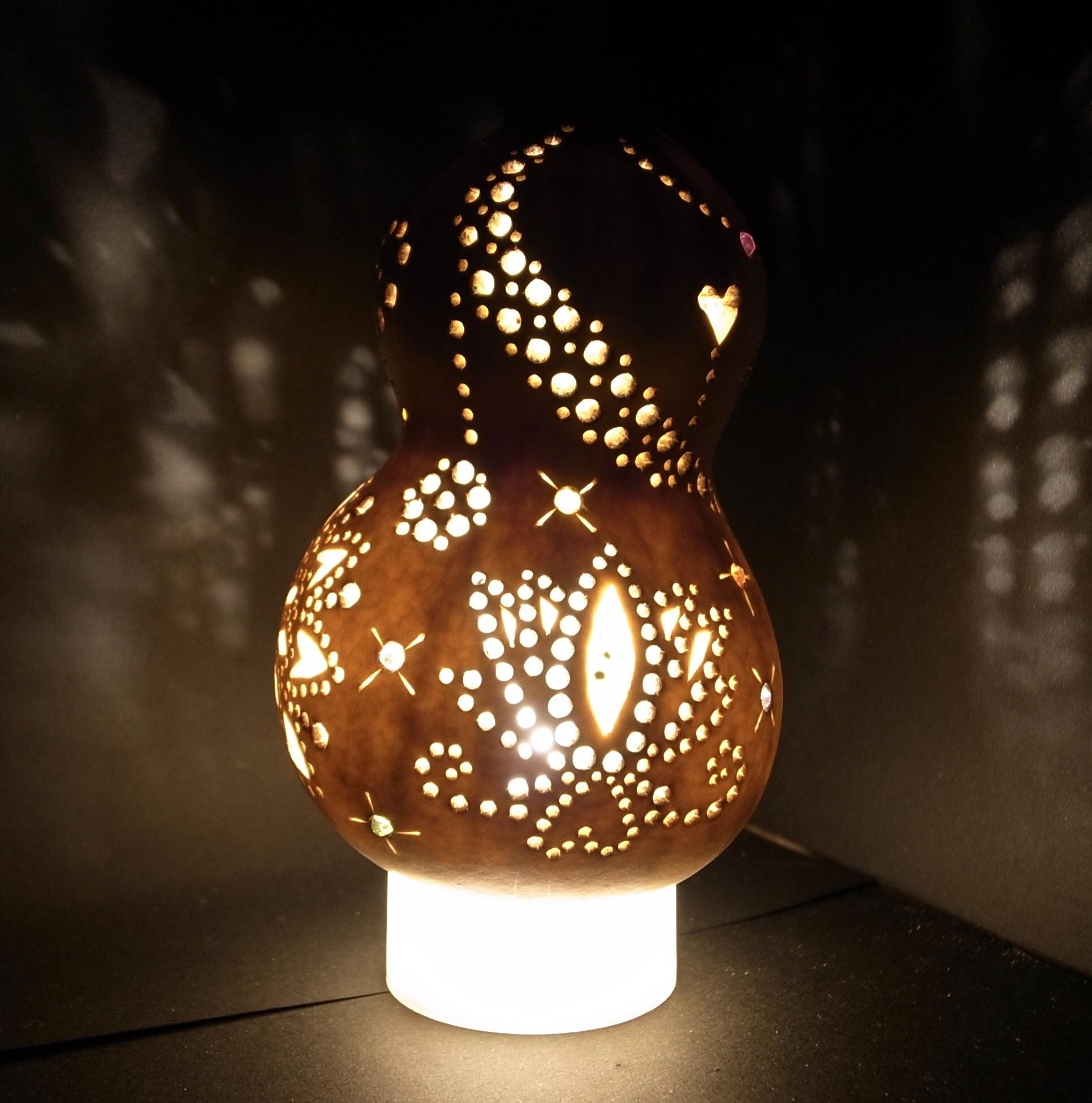 ふわふわ|パステル&曼荼羅アート・ひょうたんライト教室